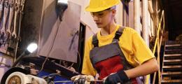Мужчины закончились, компании ищут женщин. Безработица в Чехии упала до нового рекордного уровня